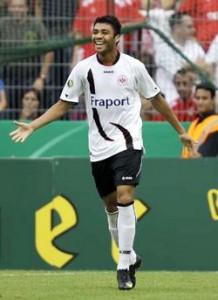 Caio marcou pelo Frankfurt