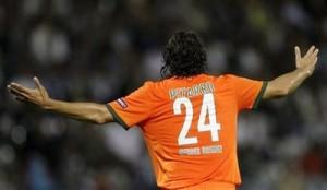 Claudio Pizarro salvou a honra alemã