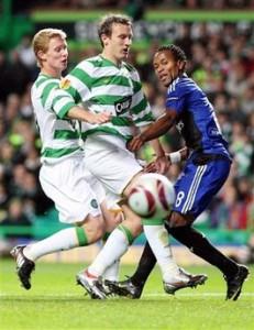 Zé em ação contra o Celtic