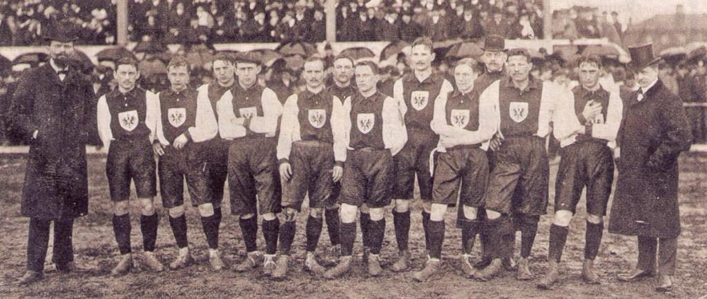Equipe da Alemanha no primeiro jogo contra a Suíça, em 1908 (clique para ampliar)