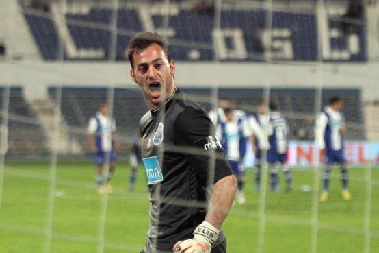 Goleiro do Porto defendeu seis pênaltis