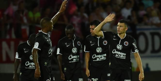 Tudo muito incipiente ainda, mas o líder após a 1ª rodada é o Caen, que venceu com a maior margem de gols (France Football)
