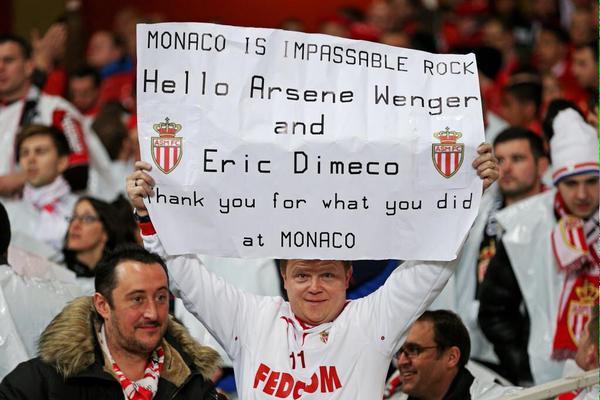 Houve torcedor monegasco que ontem agradeceu a Wenger pela passagem no Principado #politesse