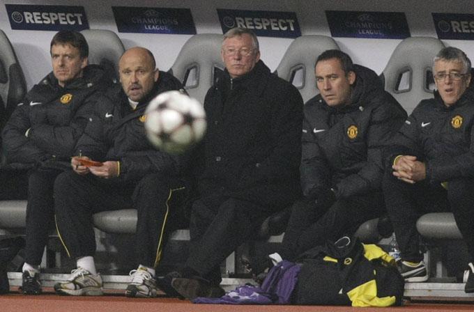Ferguson e equipe concentrados no jogo (foto AP)