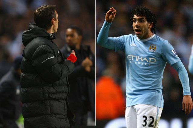 A troca de acenos entre Neville e Tevez(fotos Getty Images)