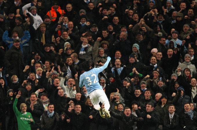 Carlitos: alegria da metade azul de Manchester (foto Getty Images)