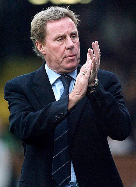 Redknapp escolheu Jenas, o segundo jogador a menos do Tottenham. Uma salada