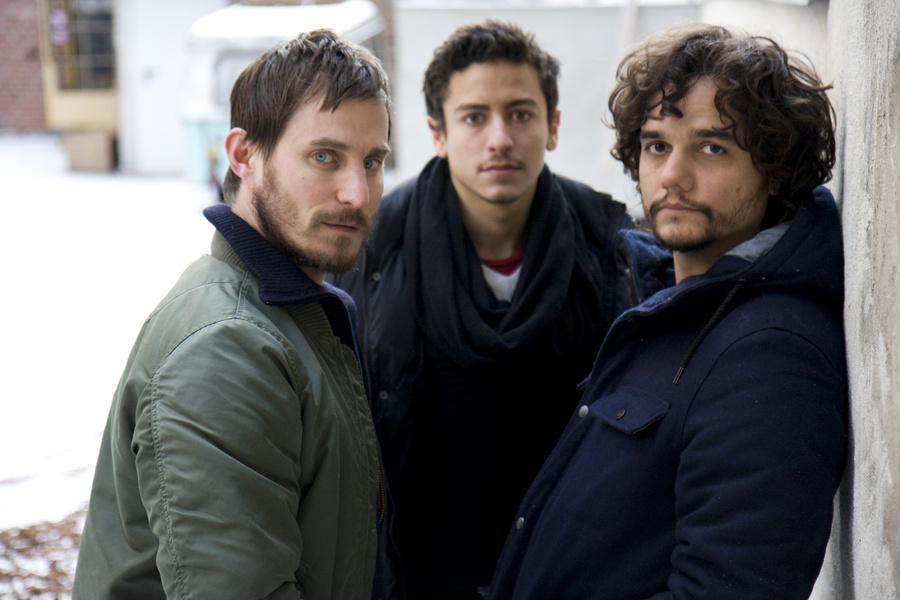 """Clemens Schick, Jesuíta Barbosa e Wagner Moura: o trio de atores que brilha em """"Praia do Futuro"""" (Foto: Divulgação)"""