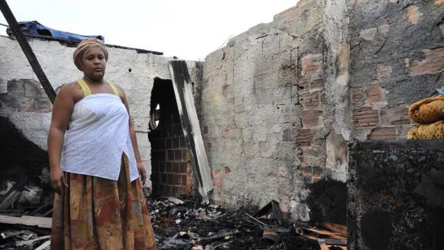 Criminosos-colocam-fogo-em-centro-espírita-de-Caxias