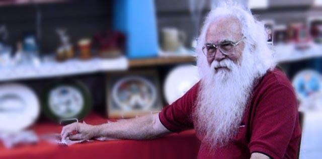 Santa, na Ilha de Caras.
