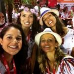 Gabi, Natália, Fabi e amigas acompanharam os desfiles em camarote na Sapucaí