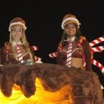 Thaísa e Adenízia desfilaram pela Unidos da Tijuca, que fechou o carnaval carioca