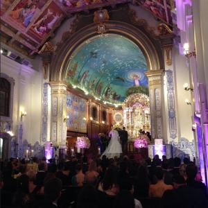 Lucão e Bia no altar