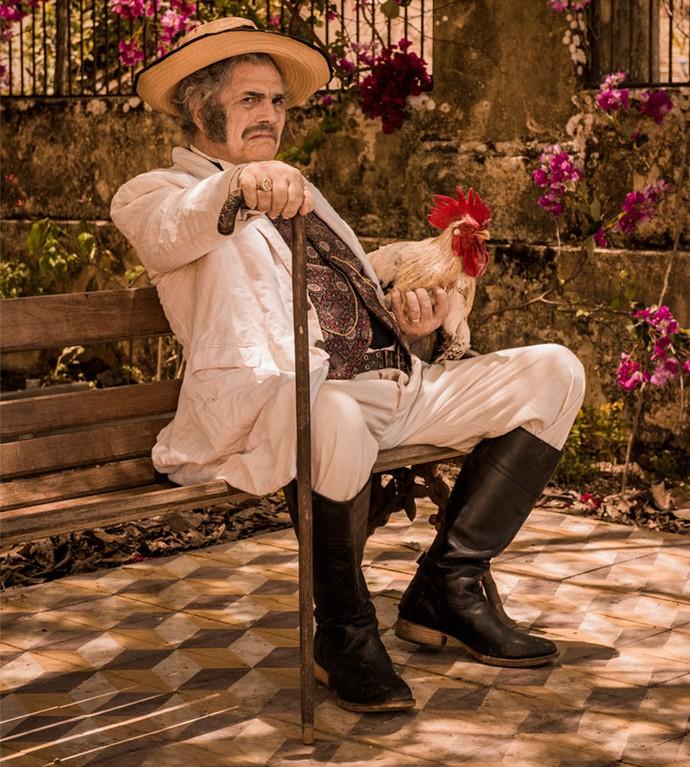 Tarcísio Meira como o coronel Jacinto