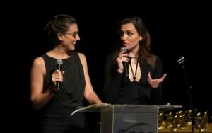 """Monica apresenta um dos prêmios com Paola Carosella, do """"MasterChef"""