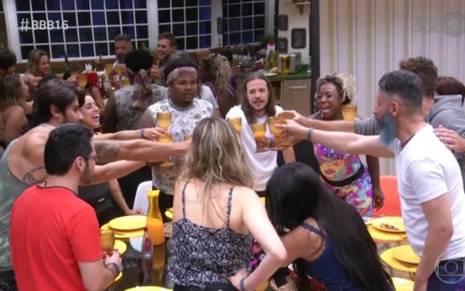 Para não perder audiência, Globo exibe retrospectiva dentro do programa