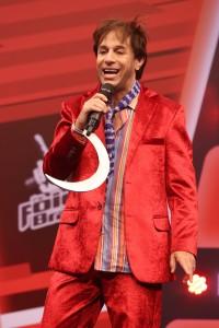 "João Canabrava apresenta paródia do ""The Voice Brasil"""