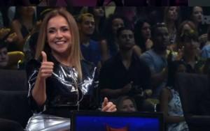 Daniela foi o centro das atenções na estreia (Foto: Reprodução/Twitter)