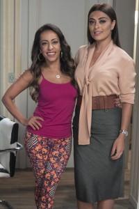 Dorinha ( Samantha Schümtz ) e Carolina ( Juliana Paes )