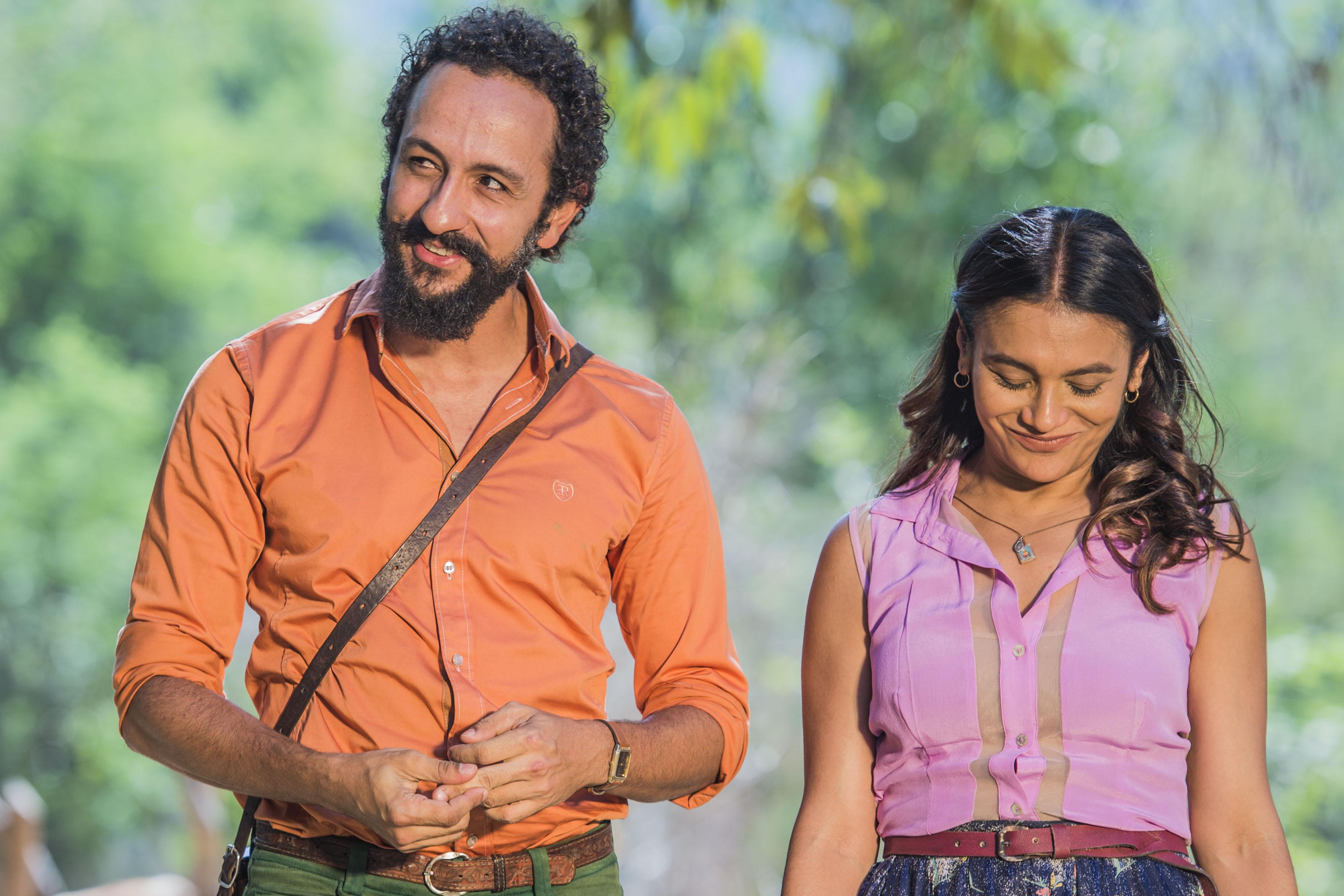O romance de Bento (Irandhir Santos ) e Beatriz ( Dira Paes) está longe de empolgar