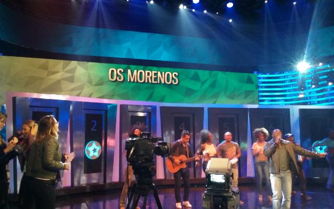"""Os Morenos cantaram sua clássica """"Marrom Bombom"""""""