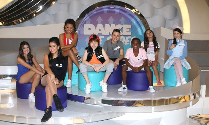 """Os oito participantes da segunda temporada do """"Dance se Puder"""" (Thiago Duran/SBT)"""