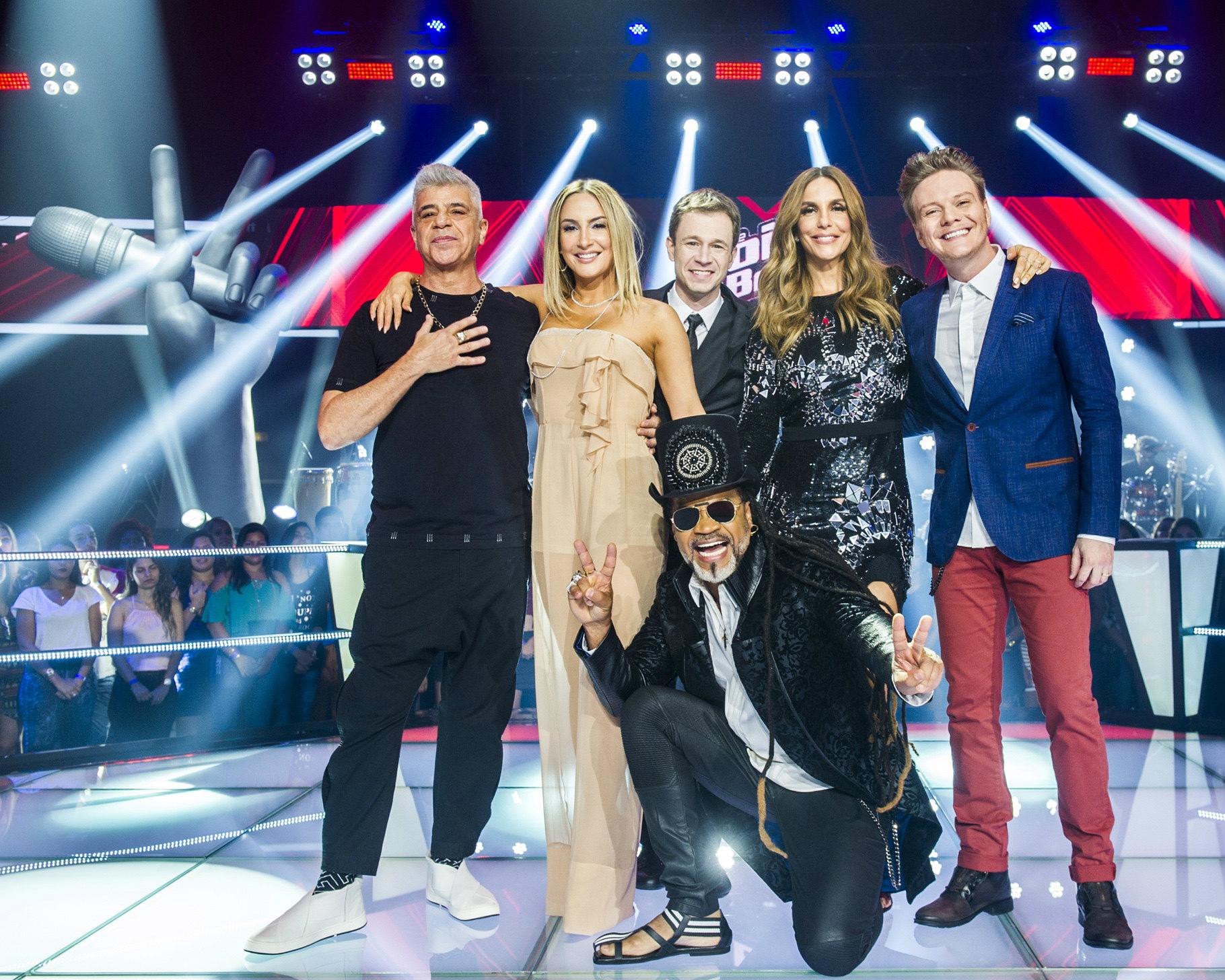 """Ivete Sangalo e Tiago Leifert com os jurados do """"The Voice Brasil"""" (Divulgação/Globo)"""