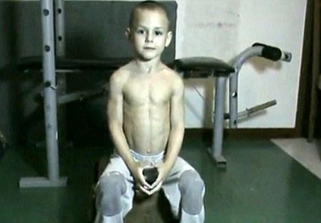 Ig colunistas o buteco da net o buteco da net garoto de 5 anos guiuliano acabou roubando o posto de richard sandrak que depois que seu pai comeou a treina lo foi declarado o menino mais forte do mundo altavistaventures Images