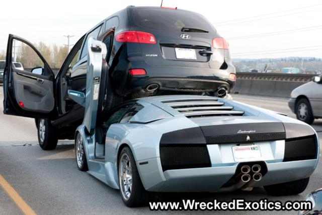carros_luxuosos_batidos_03