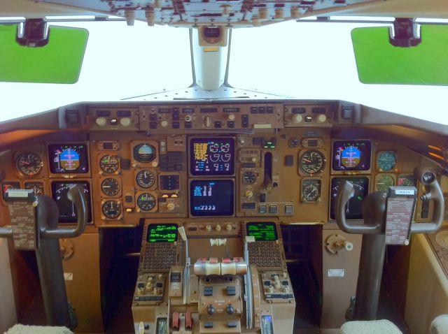 cockpit_19