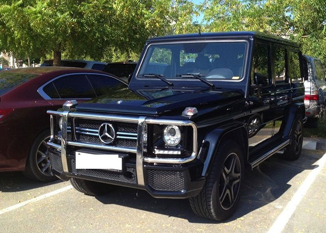 dubai_parking_lot_15