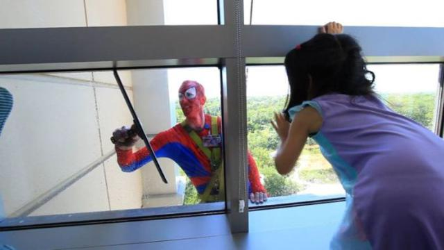 superhero_windows_cleaners_02