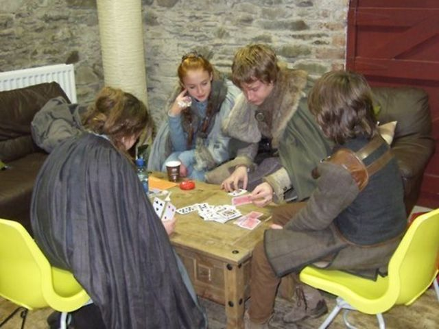 on_set_with_cast_and_crew_of_game_of_thrones_640_11