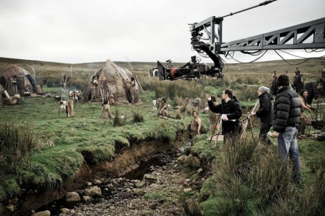 on_set_with_cast_and_crew_of_game_of_thrones_640_41