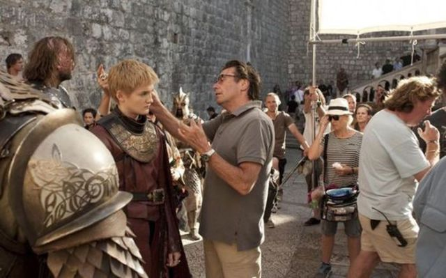 on_set_with_cast_and_crew_of_game_of_thrones_640_42