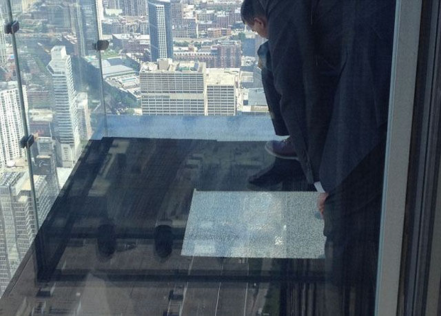 a_glass_viewing_platform_is_scary_enough_without_this_happening_640_07