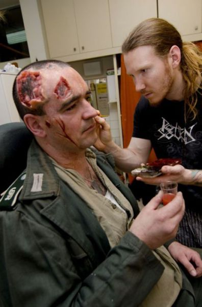 incredible_stage_makeup_thats_gross_and_gruesome_640_04