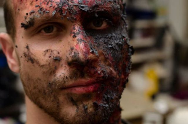incredible_stage_makeup_thats_gross_and_gruesome_640_22