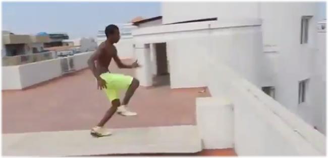 salto_piscina