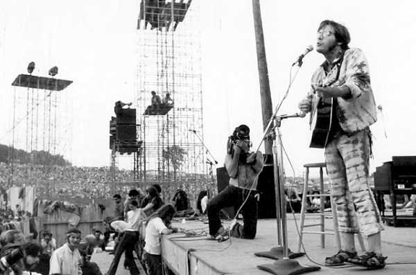 Photos-of-Life-at-Woodstock-1969-2