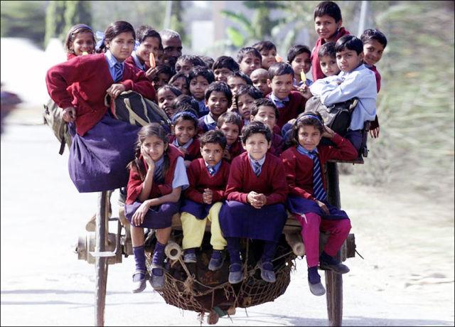 unbelievable_reallife_journeys_of_kids_travelling_to_school_640_19