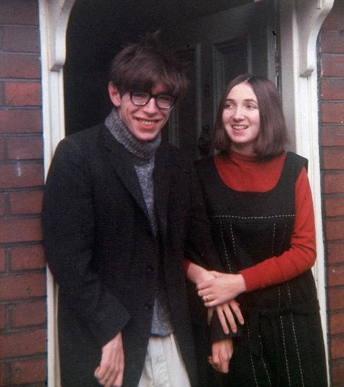 Stephen Hawking e sua esposa, Jane, em 1965.