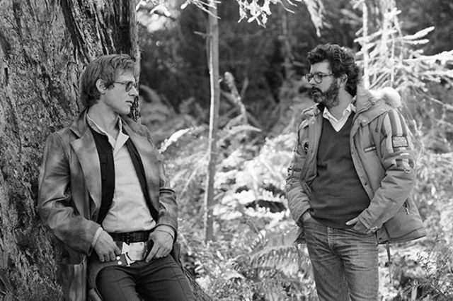 old_set_and_cast_photos_of_the_hit_star_wars_film_return_of_the_jedi_640_11