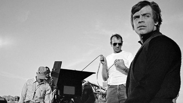 old_set_and_cast_photos_of_the_hit_star_wars_film_return_of_the_jedi_640_27