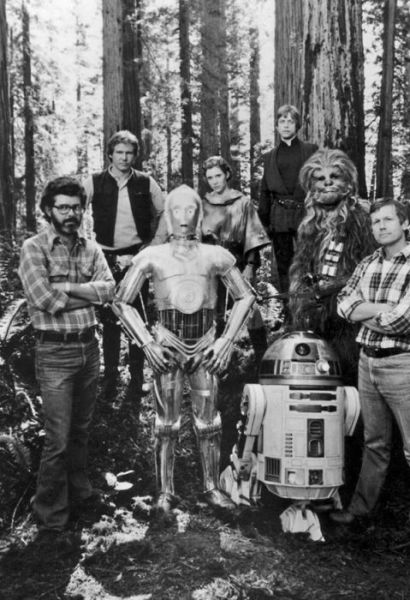 old_set_and_cast_photos_of_the_hit_star_wars_film_return_of_the_jedi_640_35