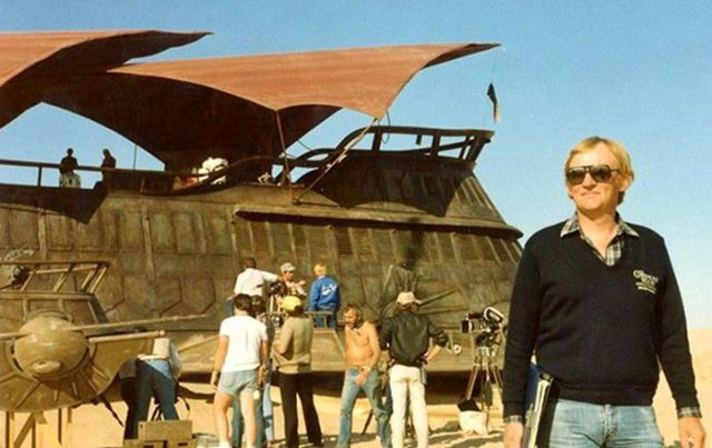 old_set_and_cast_photos_of_the_hit_star_wars_film_return_of_the_jedi_640_40