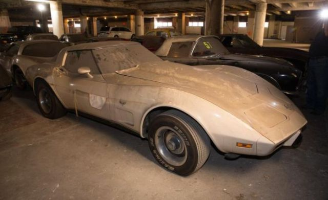 an_old_collection_of_neglected_corvettes_640_32