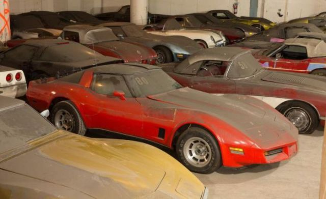 an_old_collection_of_neglected_corvettes_640_34