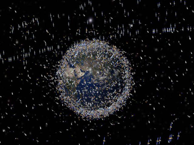 Todos os satélites que orbitam a Terra neste momento