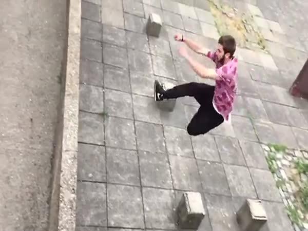 Guy_jump